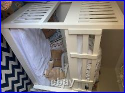 Feather and black bed bunk bed